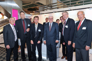 Berlin: Professor Dudeck präsentiert die Deutsche Akademie für Mikrotherapie auf dem Hauptstadtkongress auf dem SIEMENS-Partnerstand und zeigt Wege neuer minimal invasiver Chirurgie